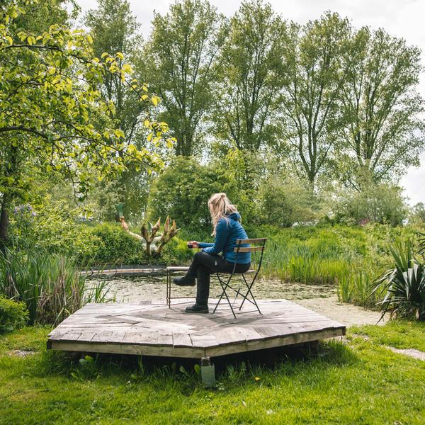 Magisch kamperen in boomgaard binnen kunstgemeenschap #2