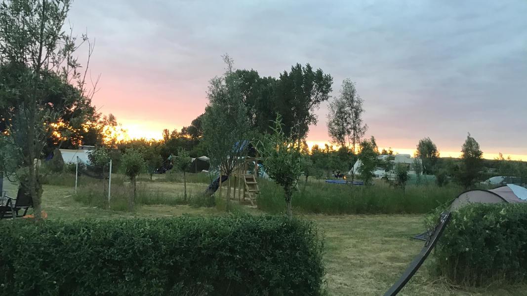 Minicamping met zwemvijver en vuurplaatsen op Landgoed. 2ha wandelgebied #46