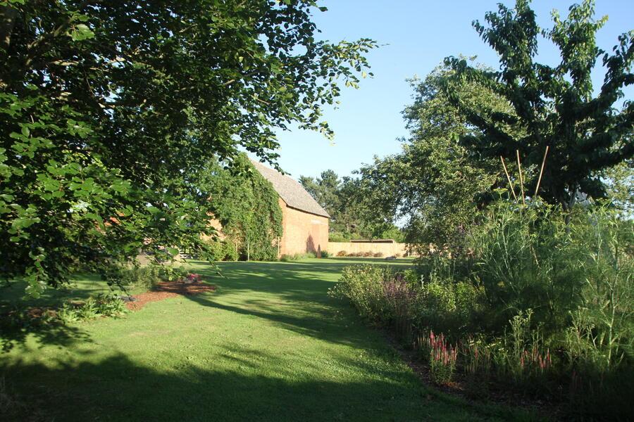 The Place To BEE...... Ecologische tuin met prachtige zonsondergang #3