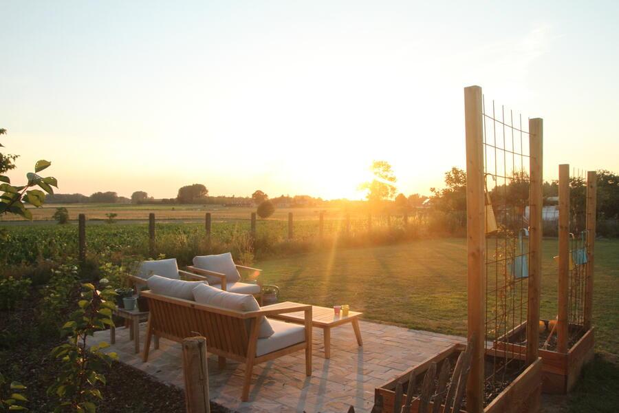 The Place To BEE...... Ecologische tuin met prachtige zonsondergang #4