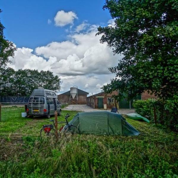 Primitive camping in a caravan (3pers) on a farmyard (with canoe!) #3