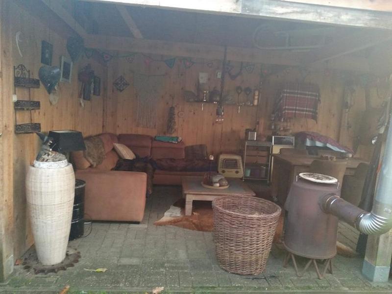 Anneke Panneke's paradise sleeping in our Yvonneke - retro caravan #6
