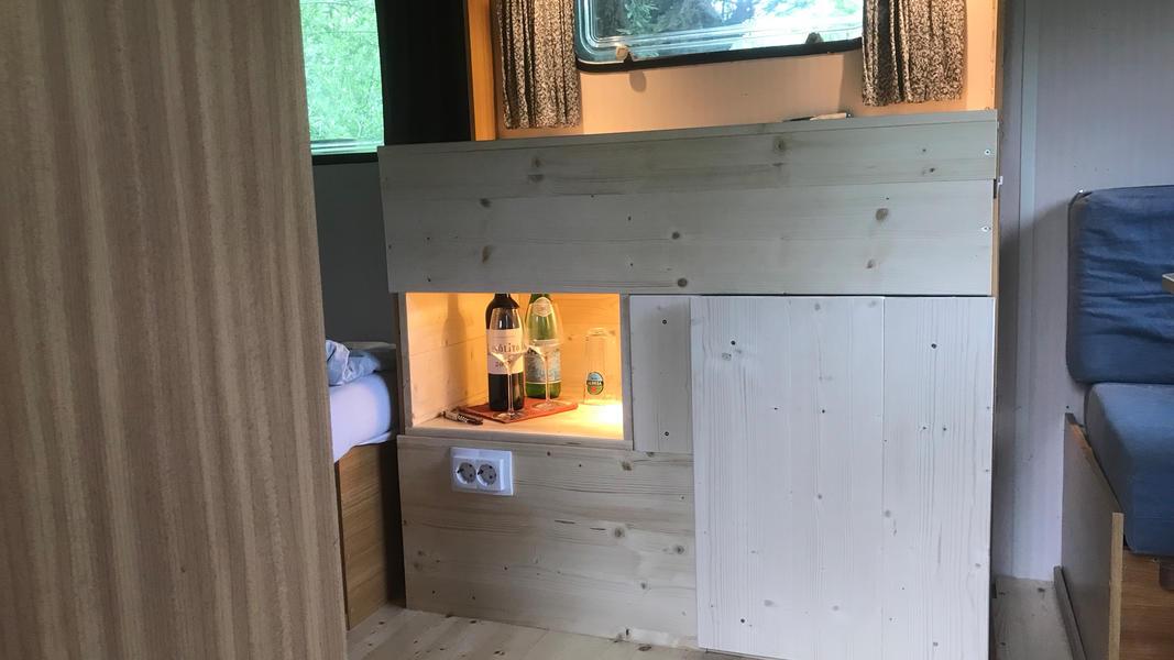 Spend the night in a vintage caravan #3