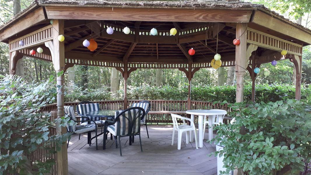 Tomorrowland Camping Garden #21
