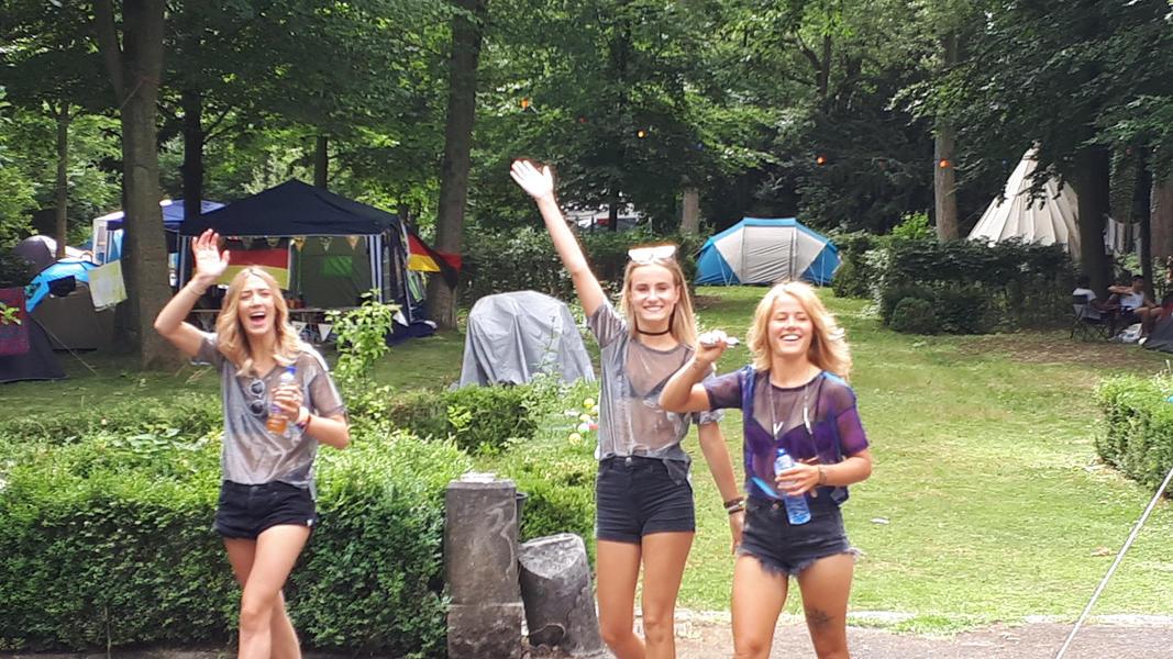Tomorrowland Camping Garden #8