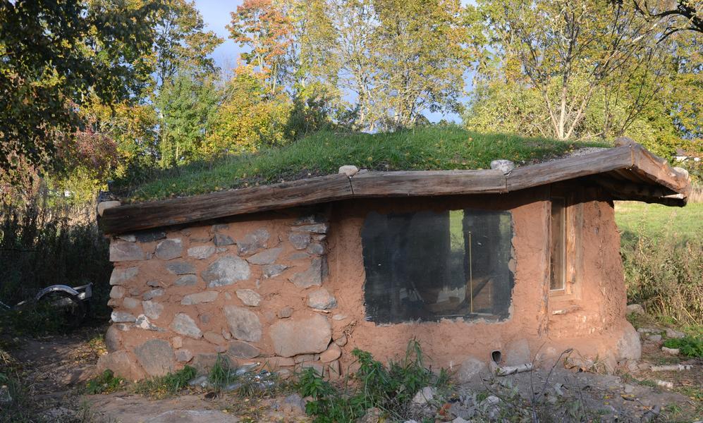 Living like a Hobbit on an (Permaculture) Eco-farm to let your soul fly #1