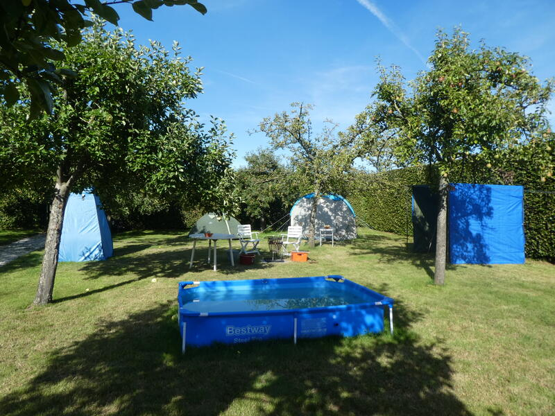 Glamping in the orchard at 'farm under the oak'. #13