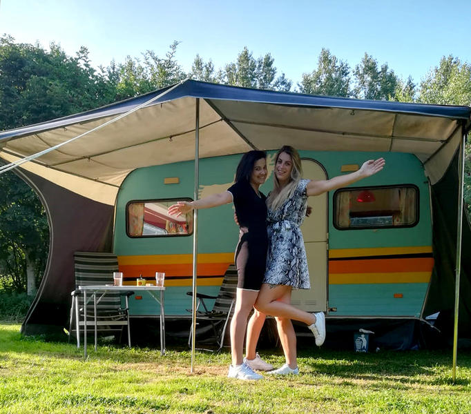 Romantic stay in a retro caravan in a special place #1