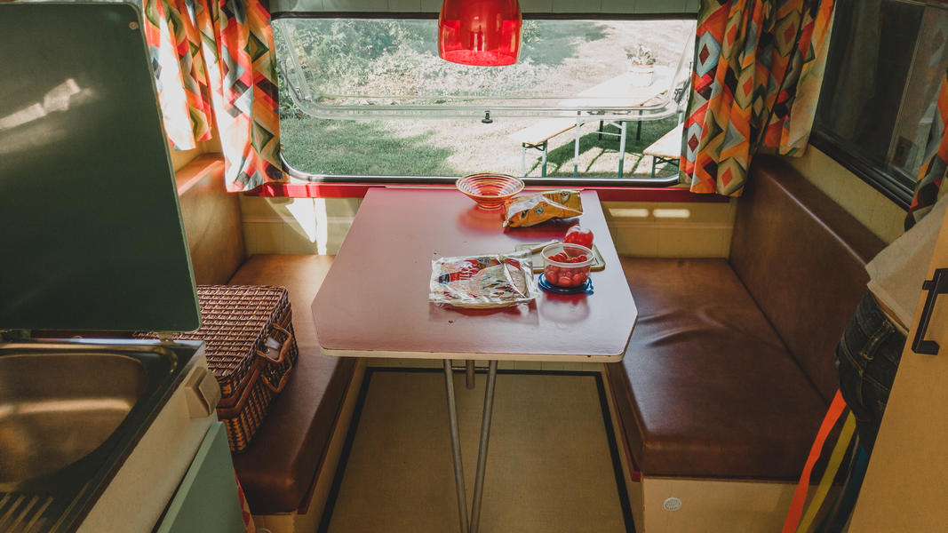 Romantic stay in a retro caravan in a special place #7