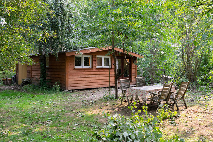 Log cabin with large private camping meadow, in a quiet area on the river Waal. #4