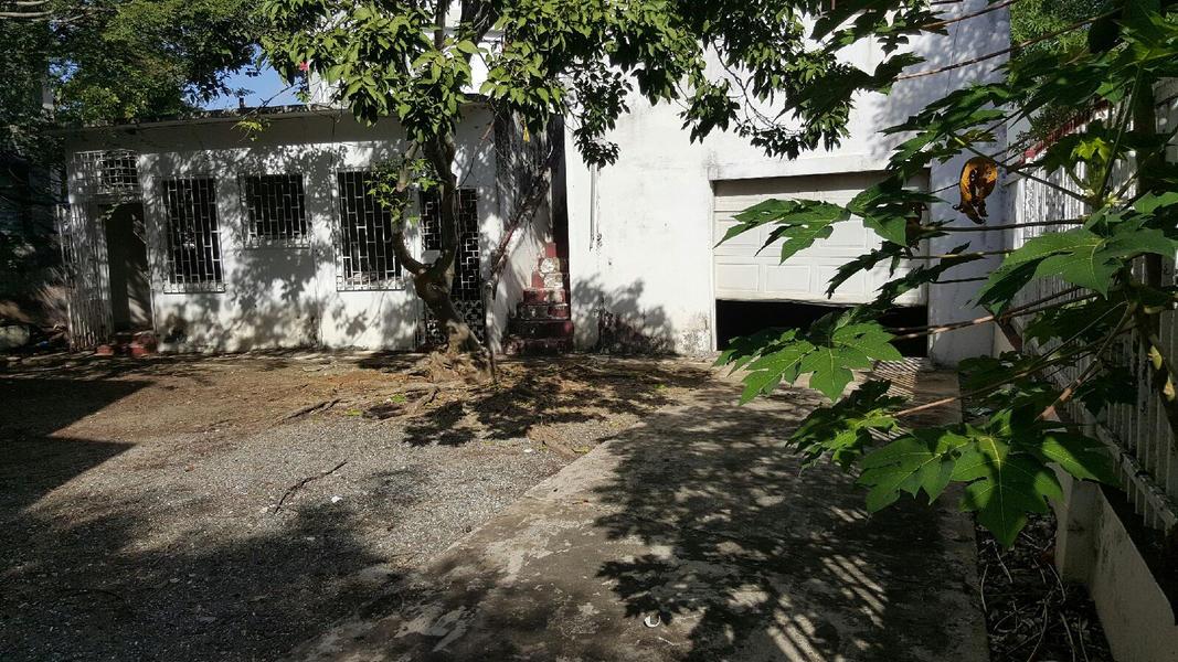 House Backyard in Condado #2