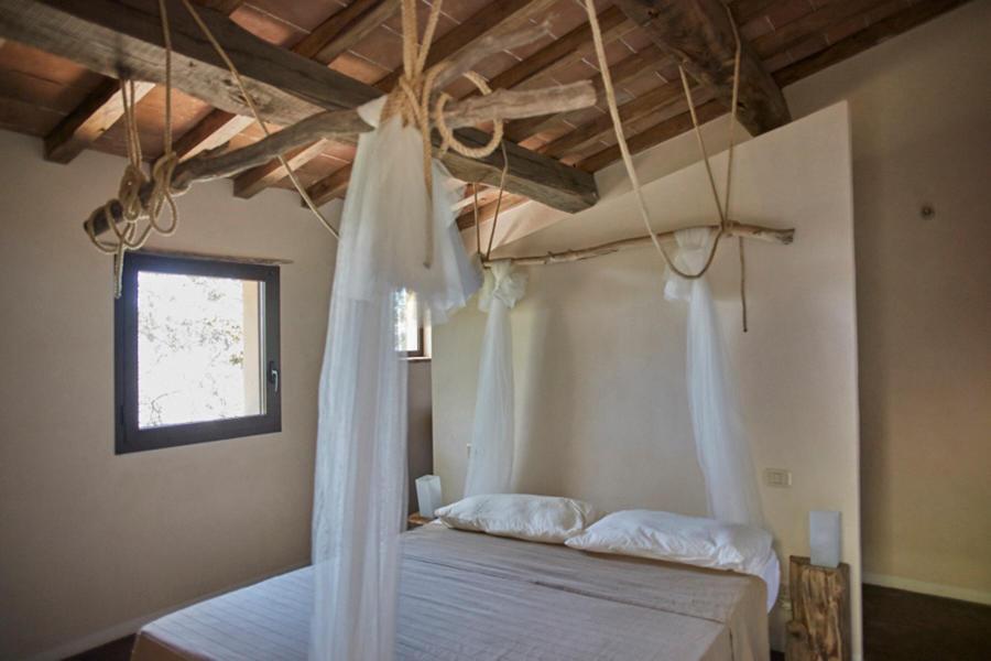 Casetta La Medea - a rustic cottage with stone soaking tub #3