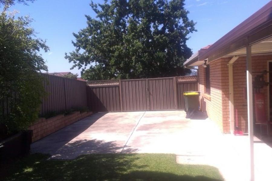 Big roomy backyard #1
