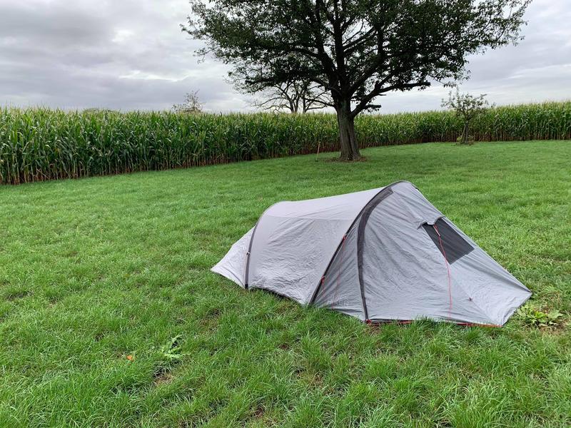 Idyllisches Zelten mitten auf den Feldern #9