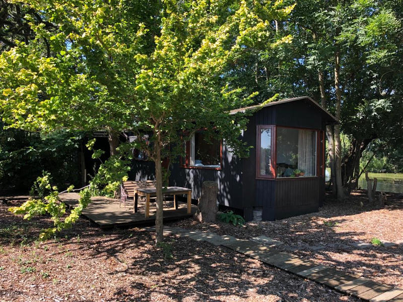 Wake up by the waterbirds in this tiny-house on a mini-island! #21