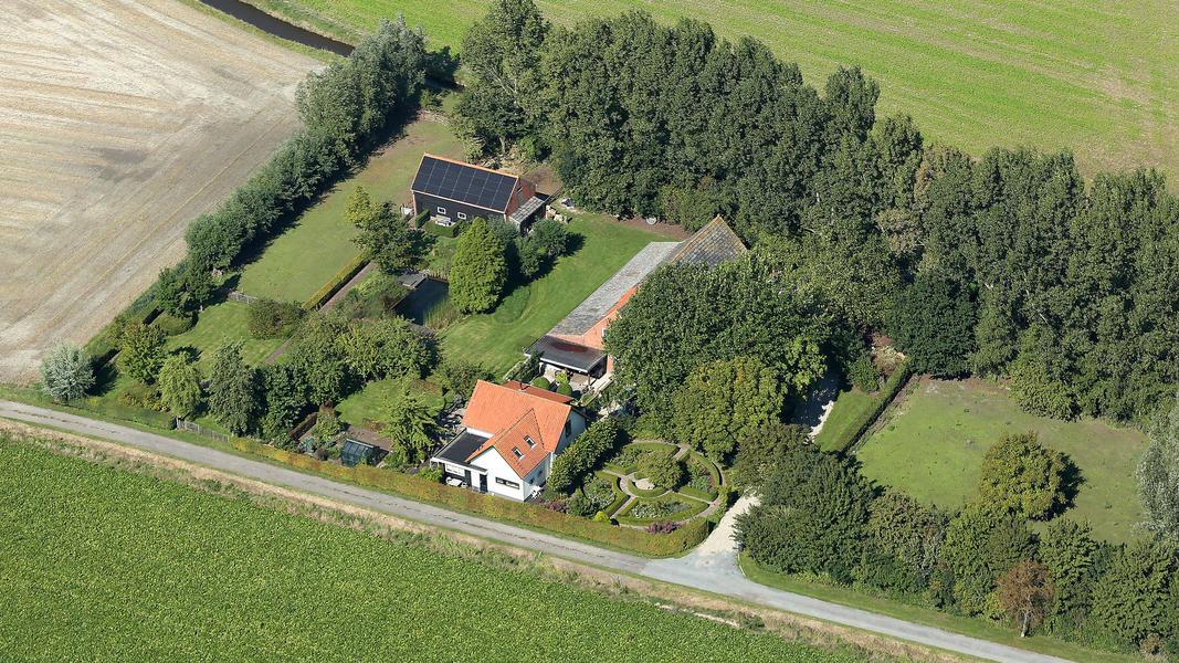 Camper spot on a quiet yard in the polders of Zeeuws-Vlaanderen #2