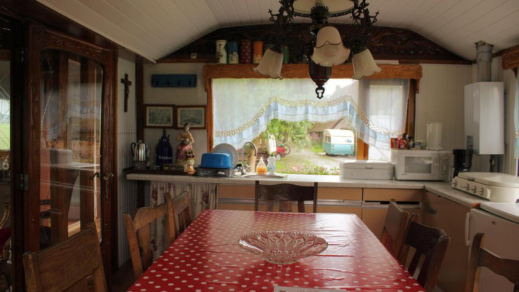 Place between Saxon farms with authentic caravans and caravans. #9