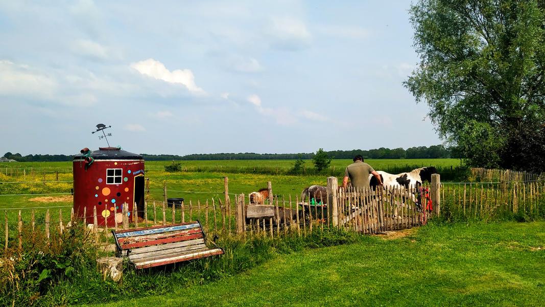 Place between Saxon farms with authentic caravans and caravans. #11