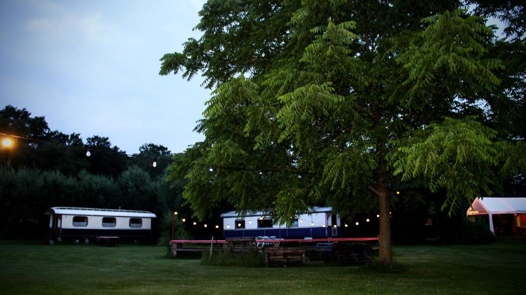 Place between Saxon farms with authentic caravans and caravans. #14