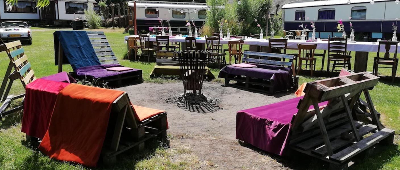 Place between Saxon farms with authentic caravans and caravans. #20