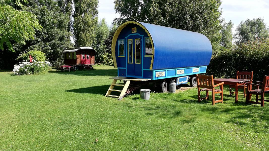 Place between Saxon farms with authentic caravans and caravans. #21