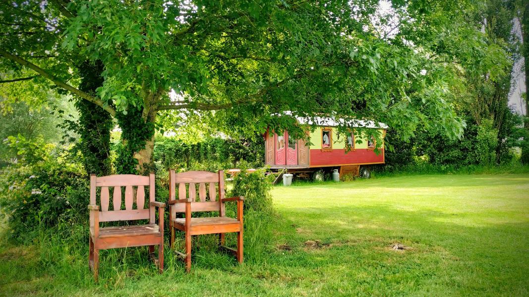 Place between Saxon farms with authentic caravans and caravans. #1