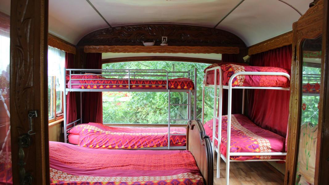 Place between Saxon farms with authentic caravans and caravans. #8