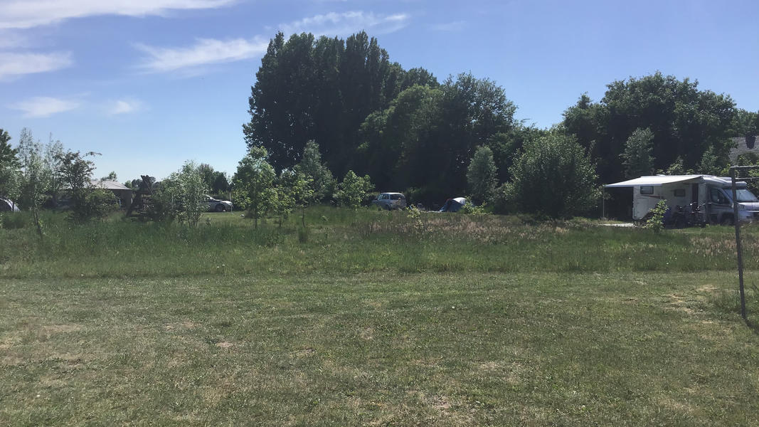 Mini campsite with swimming pond and fire places on the estate. With 2 ha of walking area. #28