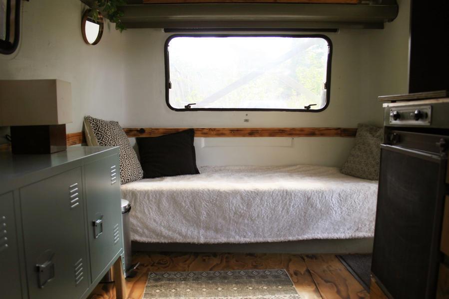 Retro caravan with private sauna en sanitary facilities in Utrecht #15