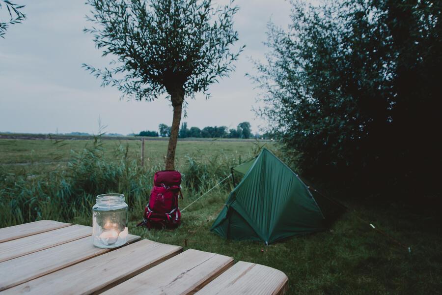 Rustig plekje met vrij uitzicht over de landerijen