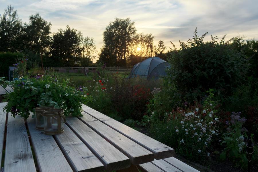 Stell dein Zelt auf der Farm auf #1