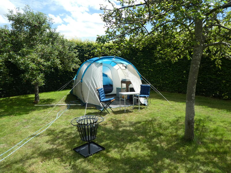 Glamping in the orchard at 'farm under the oak'. #2