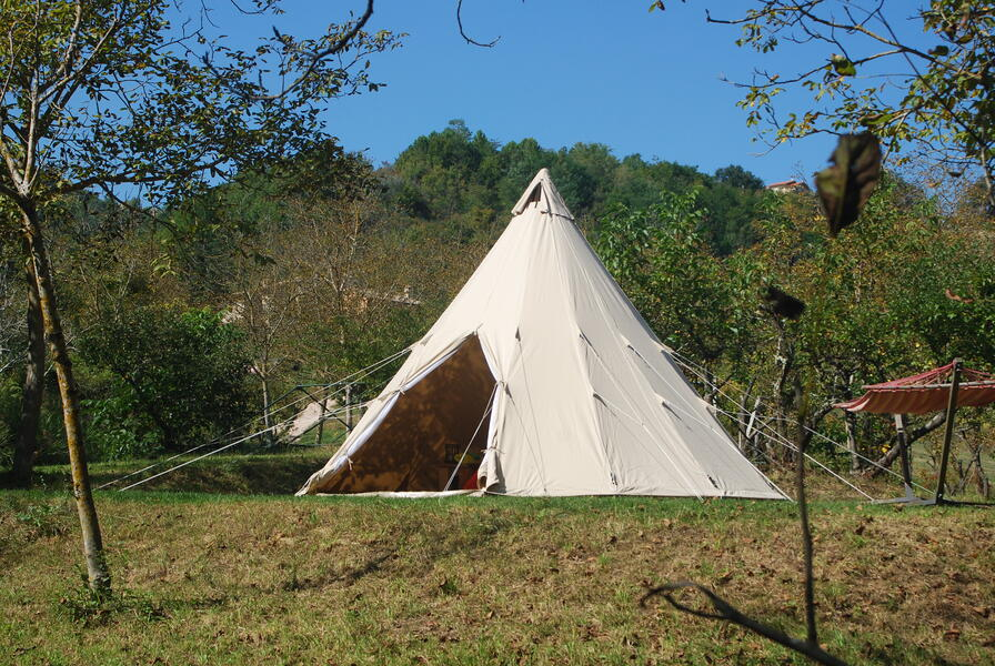 Luxurious and romantic tipi at Montelparo, Fermo #1