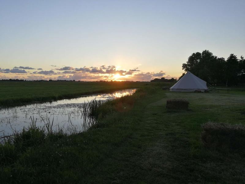 Ingerichte Bell tent bij stadsboerderij aan de rand van Sneek #6