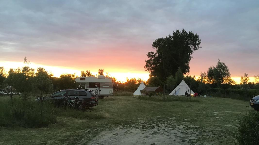 Camper plek op landgoed met zwemvijver, vuurplaatsen en 2ha wandelgebied #34