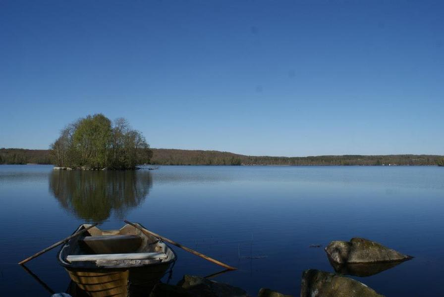 Caravan in the Swedish country side near lakes and forests #10