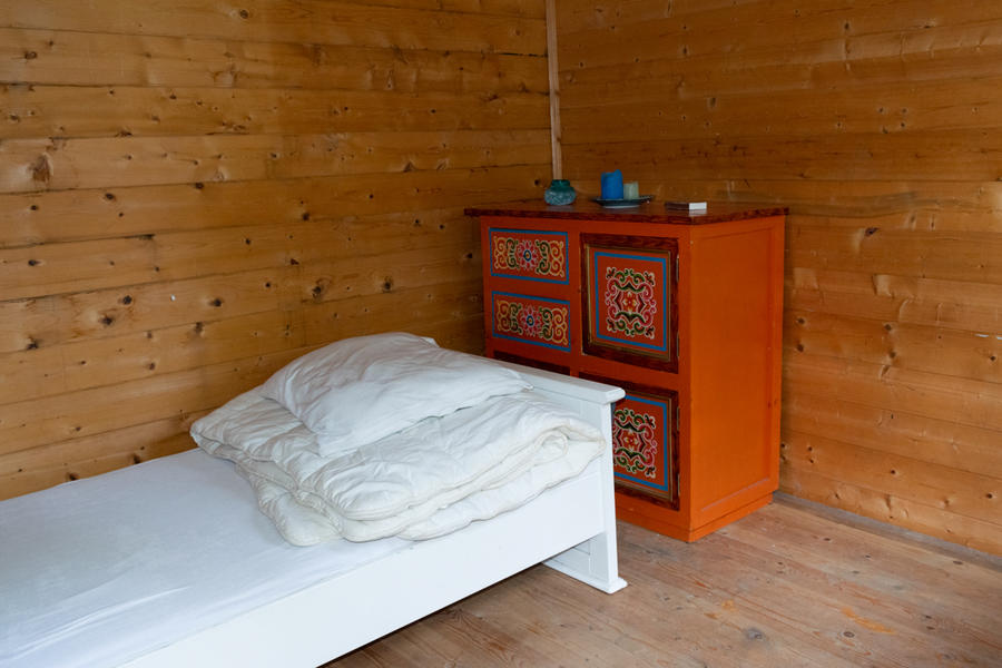 Log cabin with large private camping meadow, in a quiet area on the river Waal. #3
