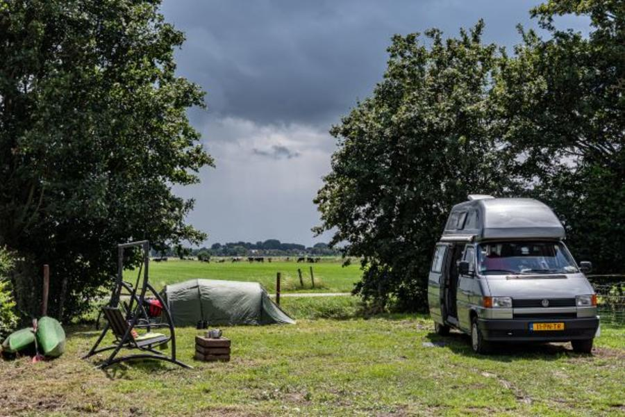 Primitive camping in a caravan (3pers) on a farmyard (with canoe!) #2