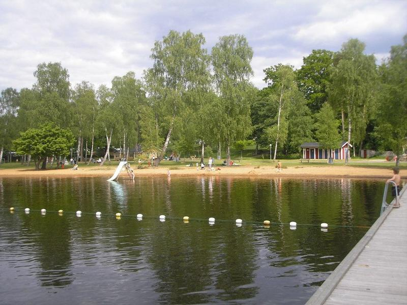 Tent pitch in the Swedish countryside near lakes and forests #8